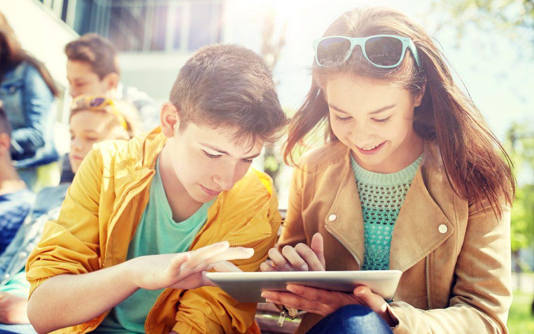 """""""Giovani Connessi"""" un progetto di educazione alla tecnologia"""
